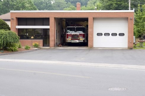 Concord-Garage-Door-Repair-and-Installation-Commercial-Garage-Doors-1-490x327